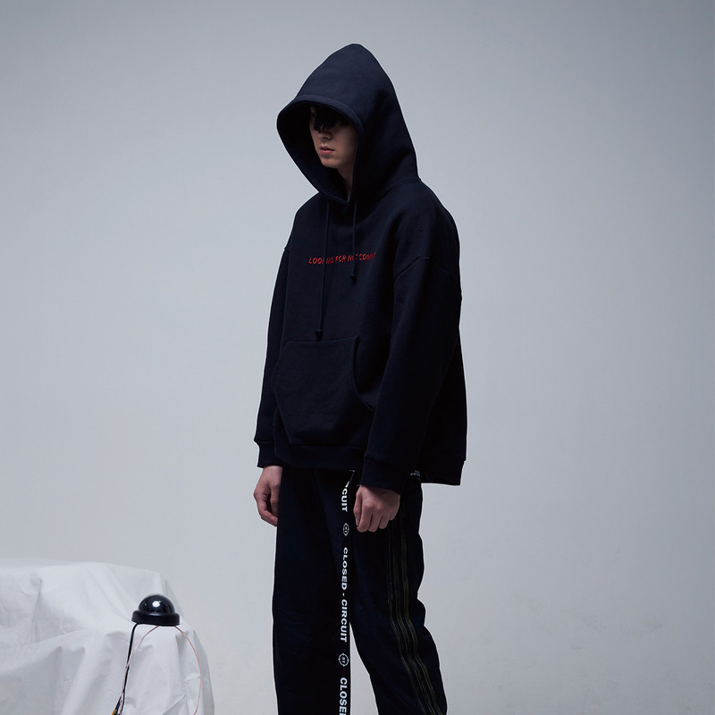 [51PERCENT] CLOSED - CIRCUIT EYE HOODIE (BLACK)
