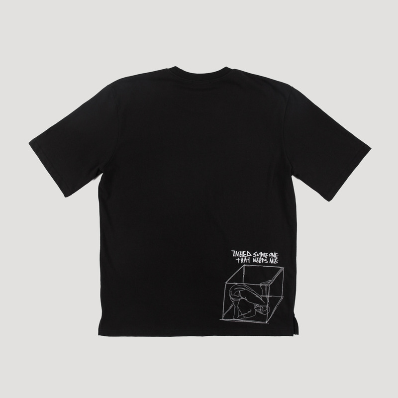 [NOVELLA] REMEMBER NEEDLEWORK T-SHIRT BLACK