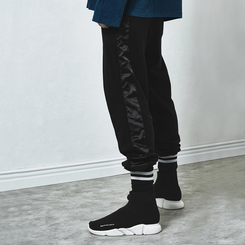 [D.PRIQUE] TRACK SWEAT PANTS / BLACK (BLACK)