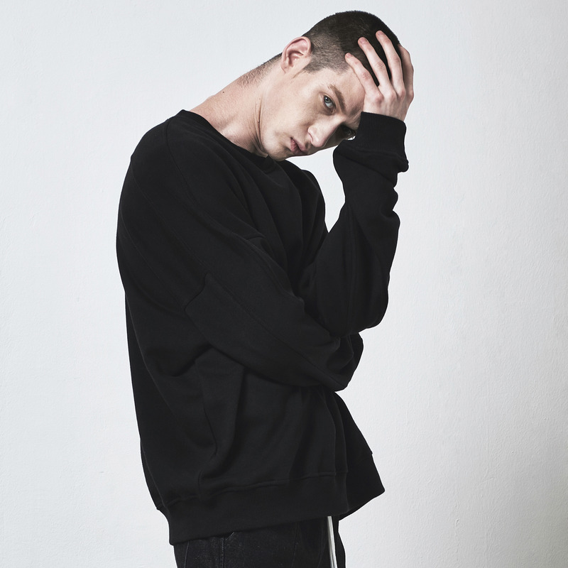 [D.PRIQUE] OVERSIZED SWEATSHIRT / BLACK