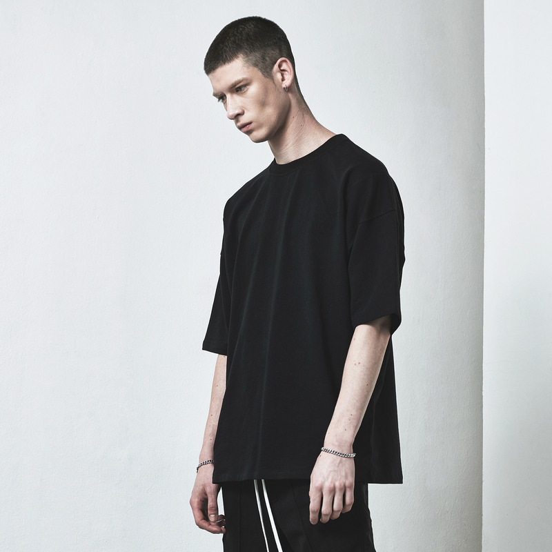 [D.PRIQUE] OVERSIZED T-SHIRT / BLACK