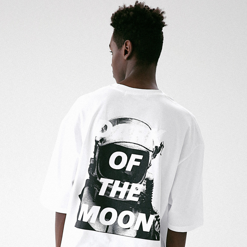 [MASSNOUN] DARKMOON SCOTCH OVERSIZE T-SHIRT MUVTS011-WT