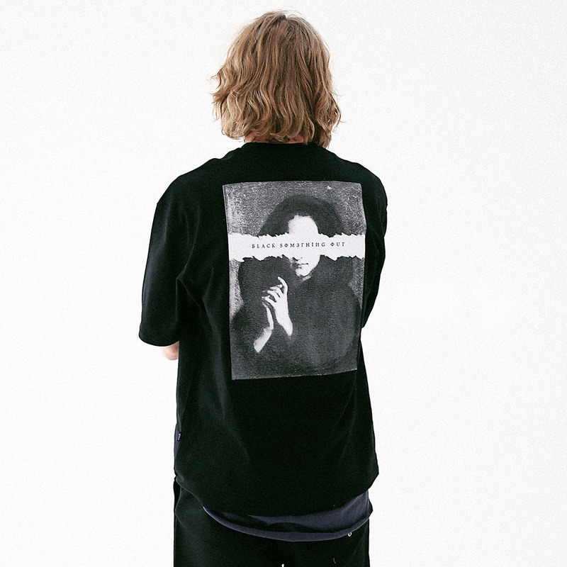 [MASSNOUN] PLAYER OUT OVERSIZED T-SHIRT MUVTS005-BK