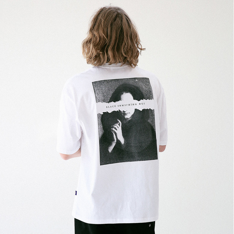 [MASSNOUN] PLAYER OUT OVERSIZED T-SHIRT MUVTS005-WT