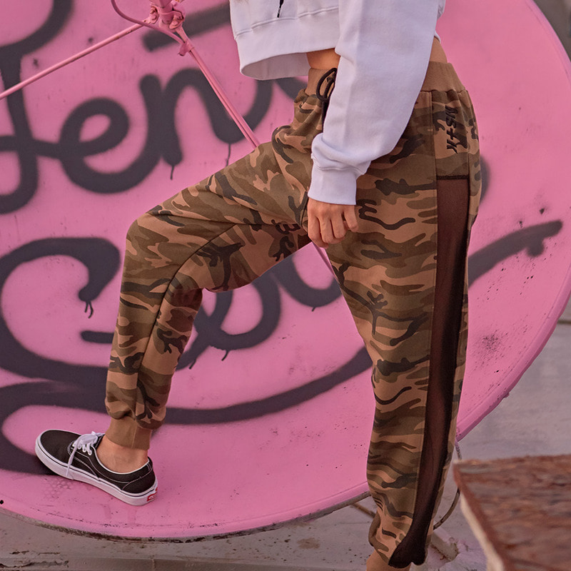 [NSTK] NAPPING SIDE MESH JOGGER PANTS (CAMO)