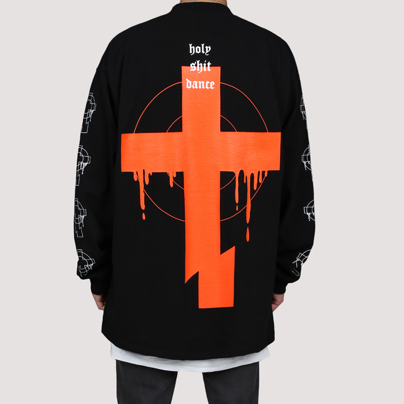 [FION] CROSS CUT LONG SLEEVE T-SHIRTS BLACK