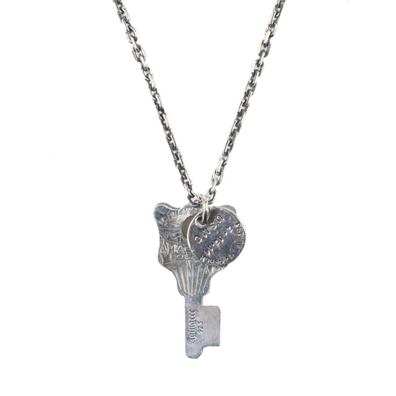[AGINGCCC] 193# V HOTEL KEY NECKLACE NO.1
