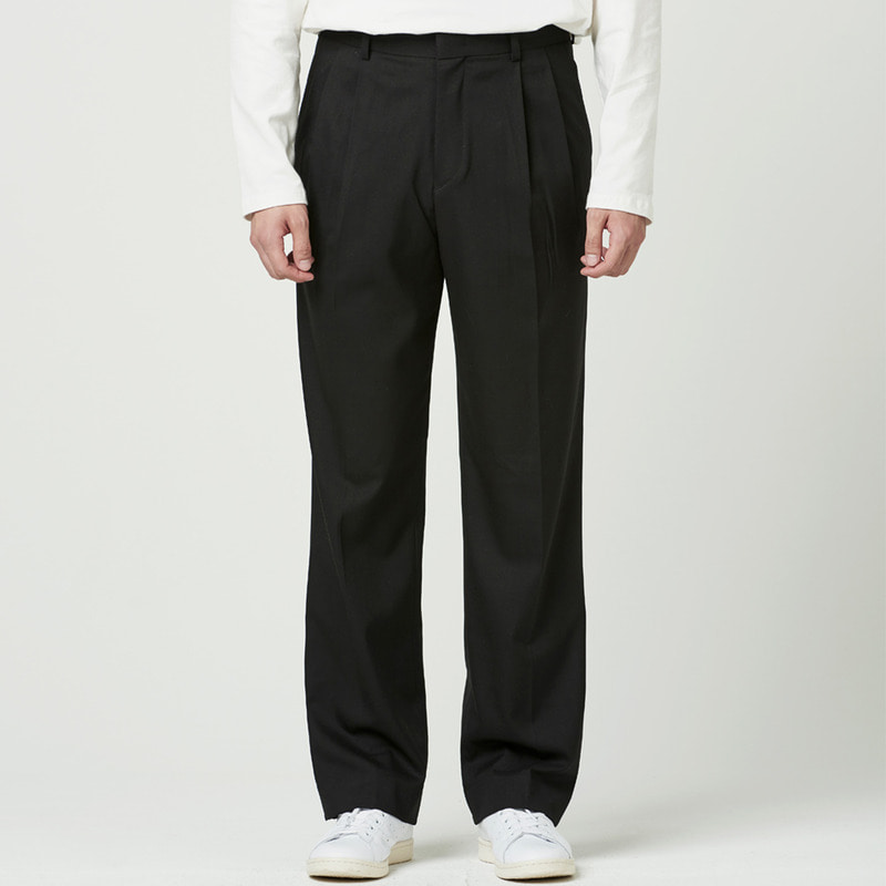[NOVELLA] TWO-TUCK WIDE TROUSER BLACK