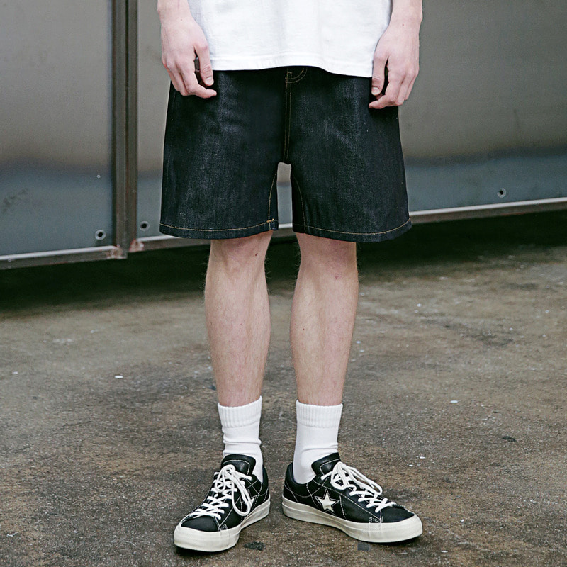 [4/13 예약배송] [MASSNOUN] SV SELVAGE WIDE DENIM SHORT PANTS MSEJP008-SV