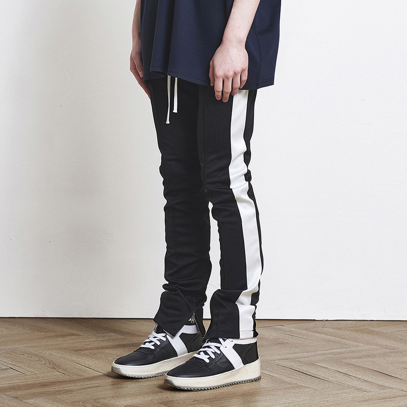 [SUMMER SALE 20% OFF] [DPRIQUE] TRACK ZIPPER PANTS (BLACK/WHITE)