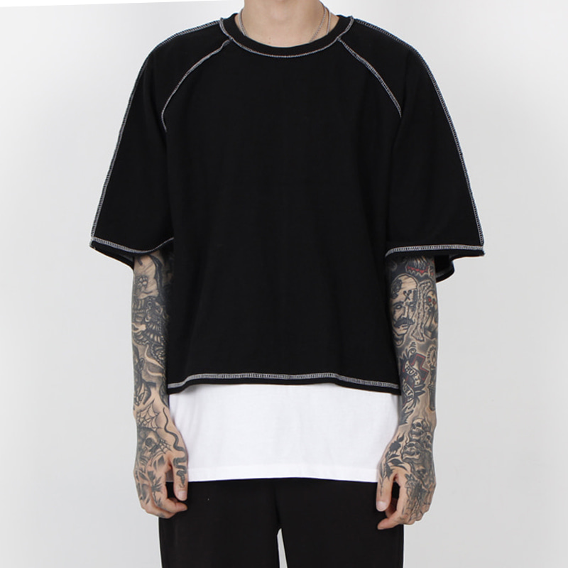 [BURJ SURTR] STITCH CROP 1/2 T-SHIRT (BLACK)