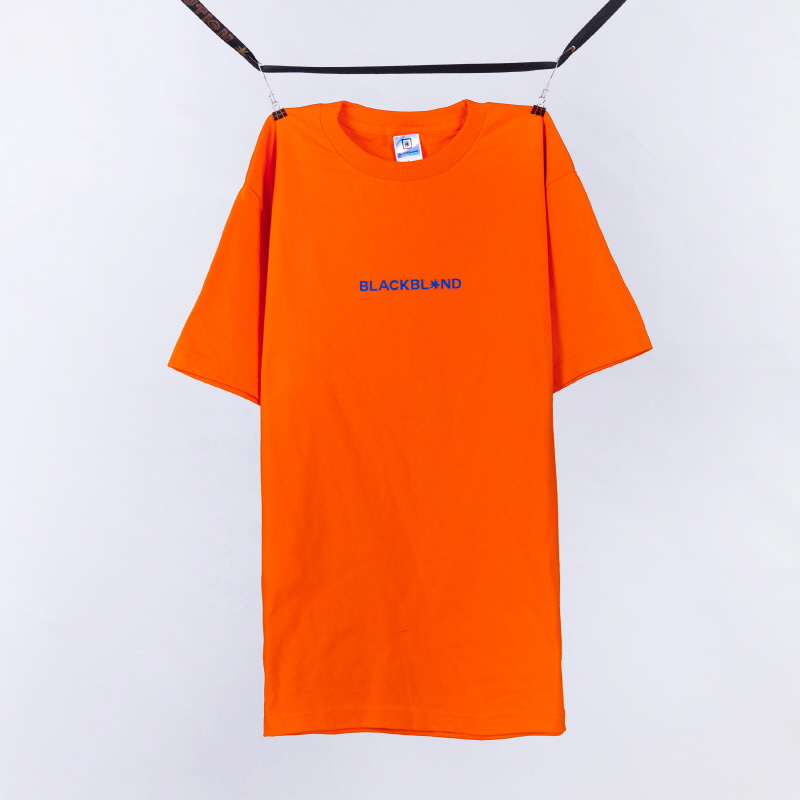 [BLACKBLOND] BBD BASIC CENTER LOGO TEE (ORANGE)