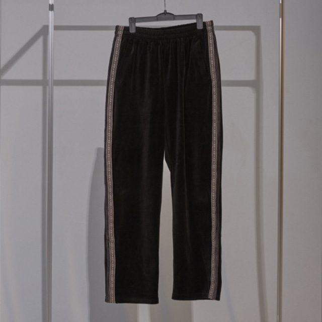 VELOURS TRACK PANTS (BLACK)