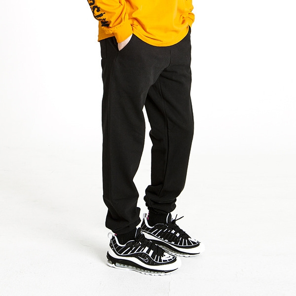 BASIC BLACK SWEAT PANTS