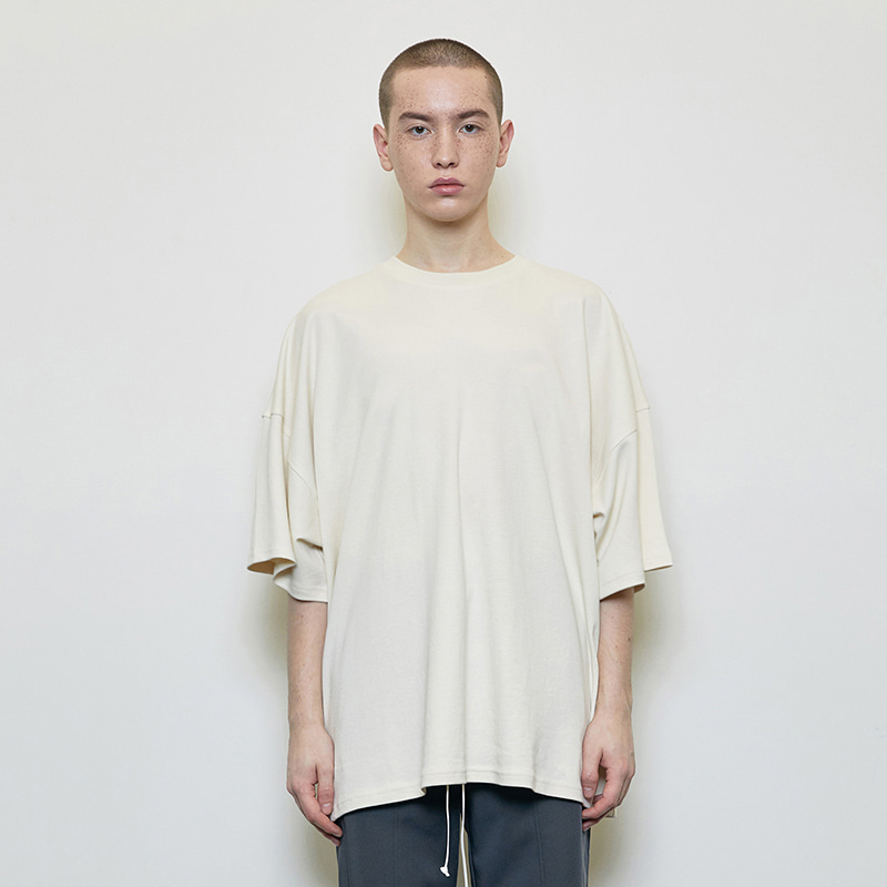 OVERSIZED T-SHIRT (BEIGE)