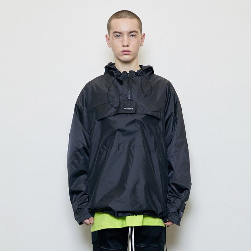 WINDBREAKER (BLACK)
