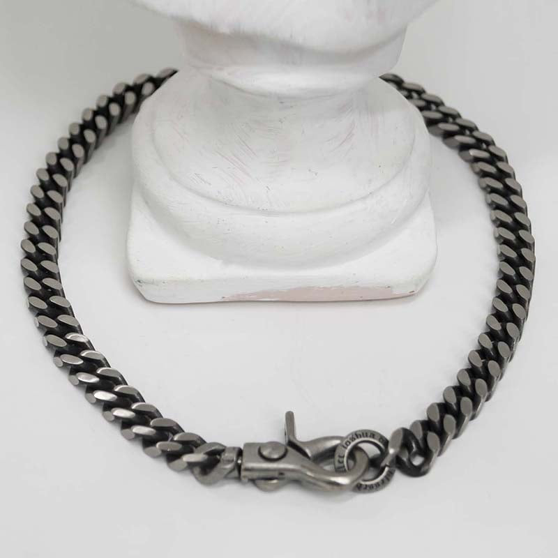 BLACK LINE BOLD CHAIN NECKLACE