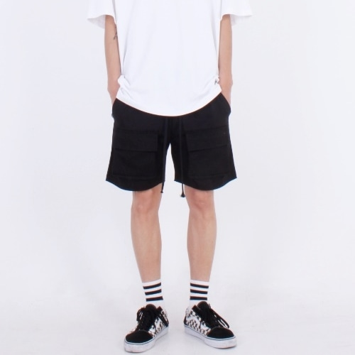 BASIC POCKET SHORTS BLACK