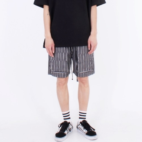 BASIC POCKET SHORTS BLACK STRIPE