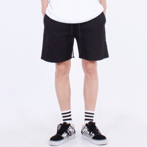 BASIC SHORTS BLACK