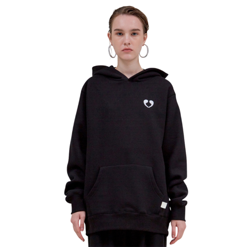 BLACK EMBROIDERY COMMA HOODIE (WHITE)