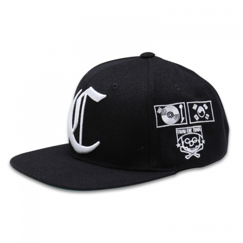 [1+1 EVENT] [$ SHOP SALE] [COUPDEGRACE] CDG TEAM SNAPBACK (BLACK/WHITE)