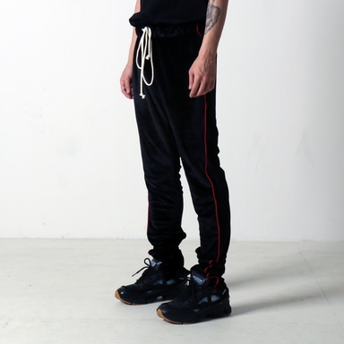 [쿠드그라스 연말 FINAL SALE] [EPTM] VELOUR TRACK PANTS (BLACK)
