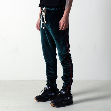 [쿠드그라스 연말 FINAL SALE] [EPTM] VELOUR TRACK PANTS (GREEN)