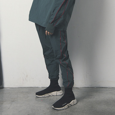 [WANTON] WINDBREAK JOGGER PANTS GREEN