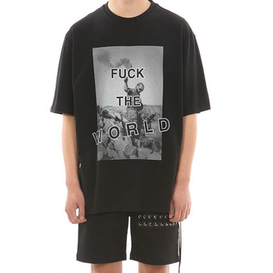 [SUMMER SALE 20% OFF] [LANG VERSIO] FUCK THE WORLD 1/2 TEE (BLACK)