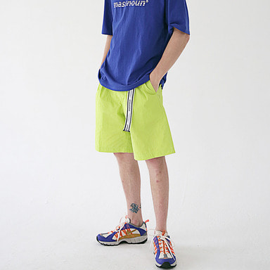 [MASSNOUN]  TWO TUCK WIDE SHORT PANTS MSESP002-LG