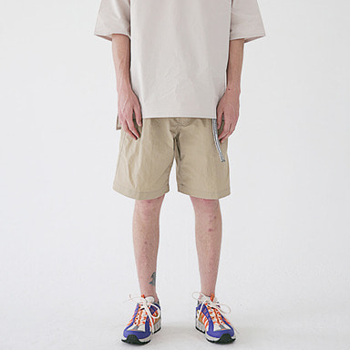 [MASSNOUN] TWO TUCK WIDE SHORT PANTS MSESP002-BG