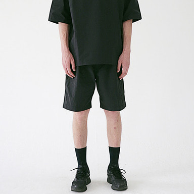 [MASSNOUN] TWO TUCK WIDE SHORT PANTS MSESP002-BK